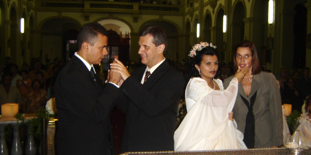 Wedding between two people with deafblindness